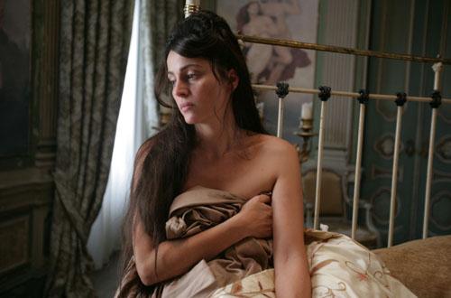 Maison Close: Anne Charrier as Vera