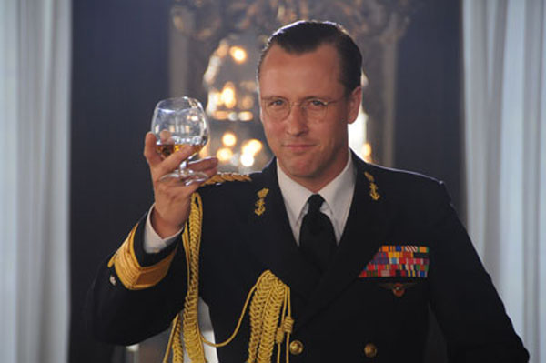 Crowns & Jewels Daan Schuurmans as Prince Bernhard