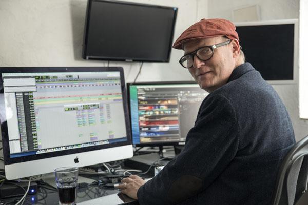 Frans Bak in home studio