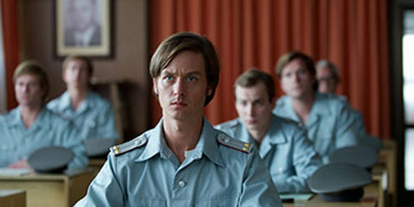 The Same Sky: German-Language Period Drama Now Streaming on Netflix