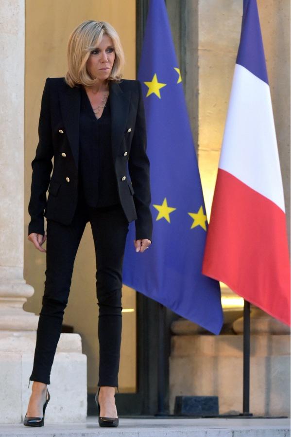 BRIGITTE MACRON, UN ROMAN FRANÇAIS